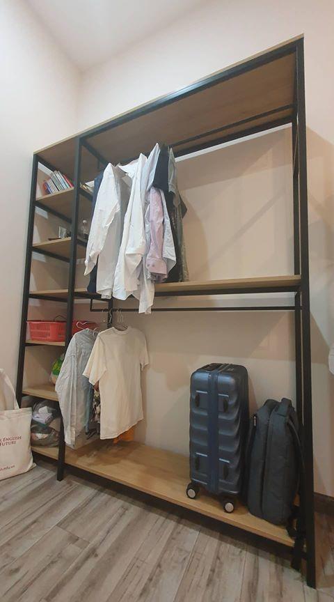 Kệ treo quần áo khung sắt đợt gỗ GHZ-834