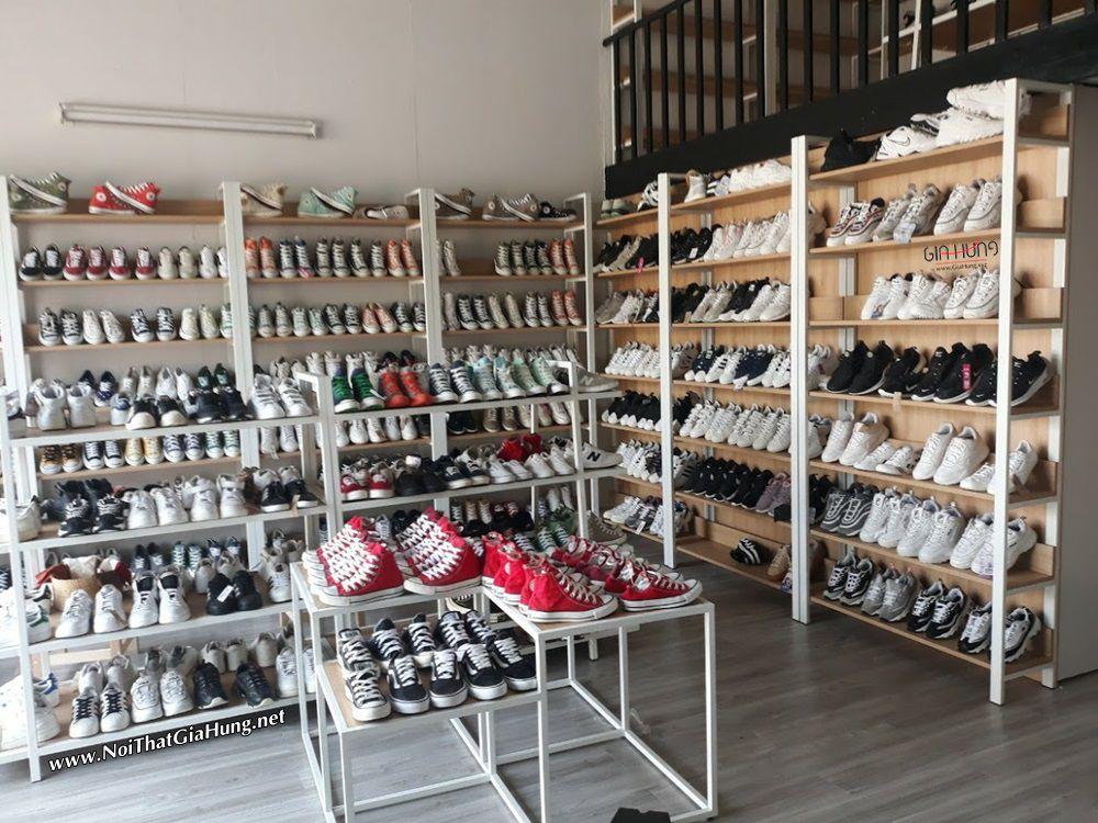 Kệ trung bày sản phẩm shop giày si đường số 31 - Linh Đông - Thủ Đức