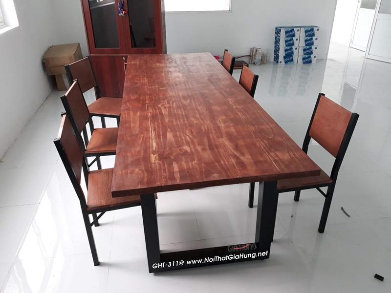 Bàn họp khung chân sắt mặt gỗ thông New Zealand nhập khẩu GHT-311
